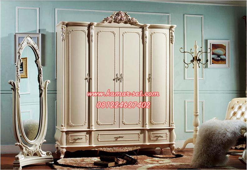 Lemari Pakaian Klasik Ukiran Mewah Pintu Lengkung