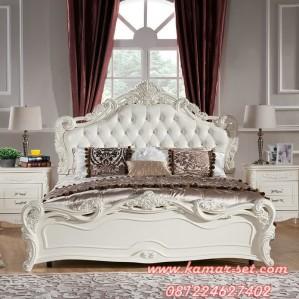 Set Kamar Tidur Dewasa Ukir Klasik Putih