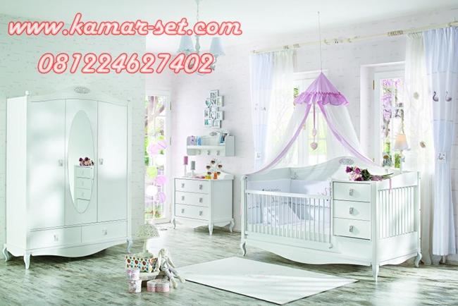 Set Tempat Tidur Bayi
