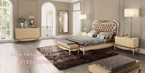 Set Kamar Tidur Model Klasik Ukir Gold Ivory