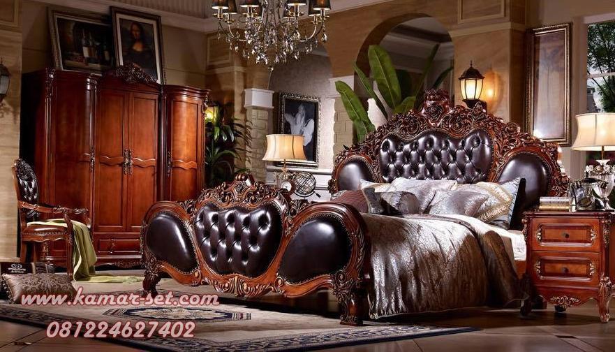 Set Tempat Tidur Ukir Klasik Untuk Kamar Utama