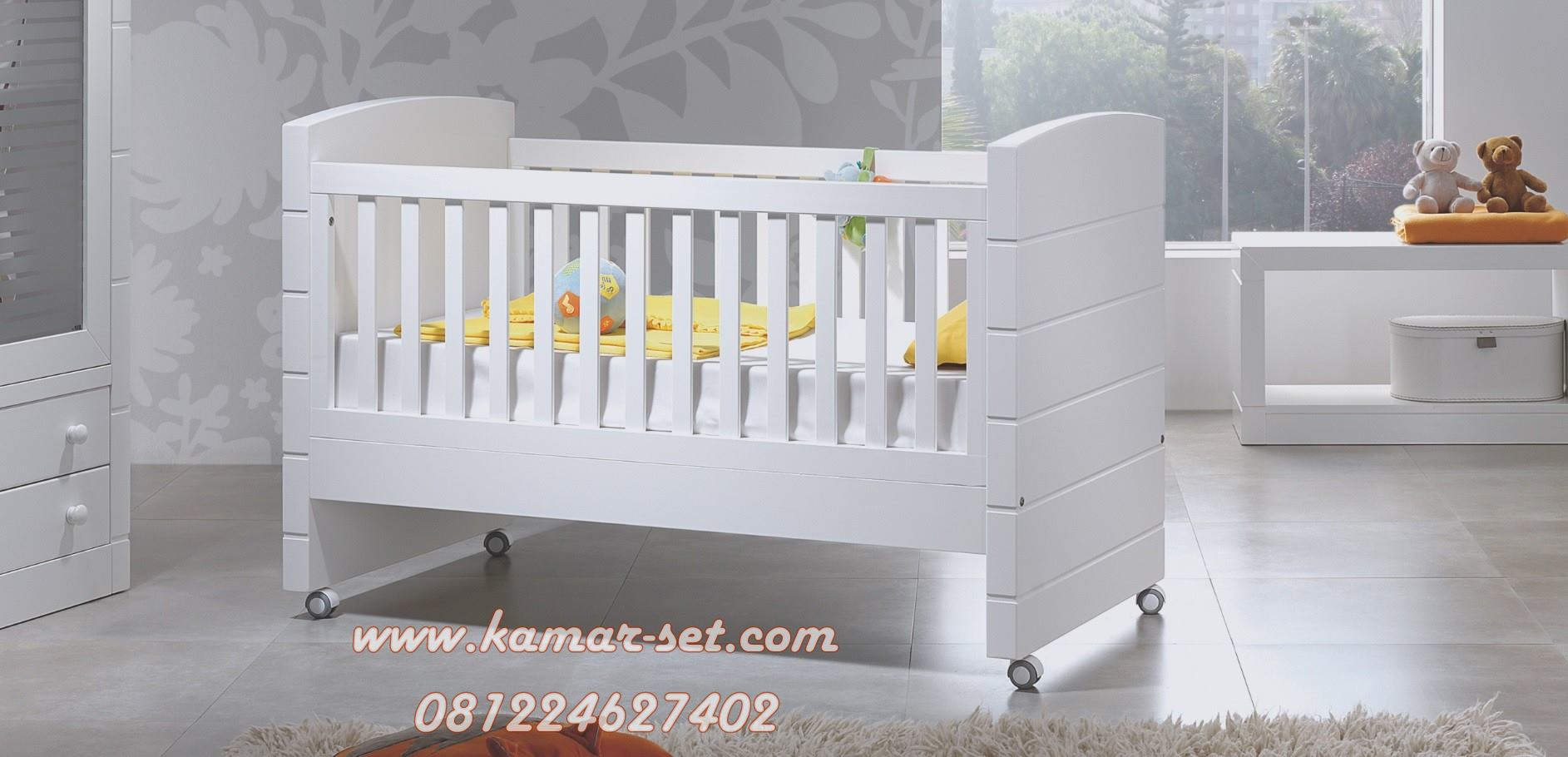 Model Box Bayi Roda Warna Putih