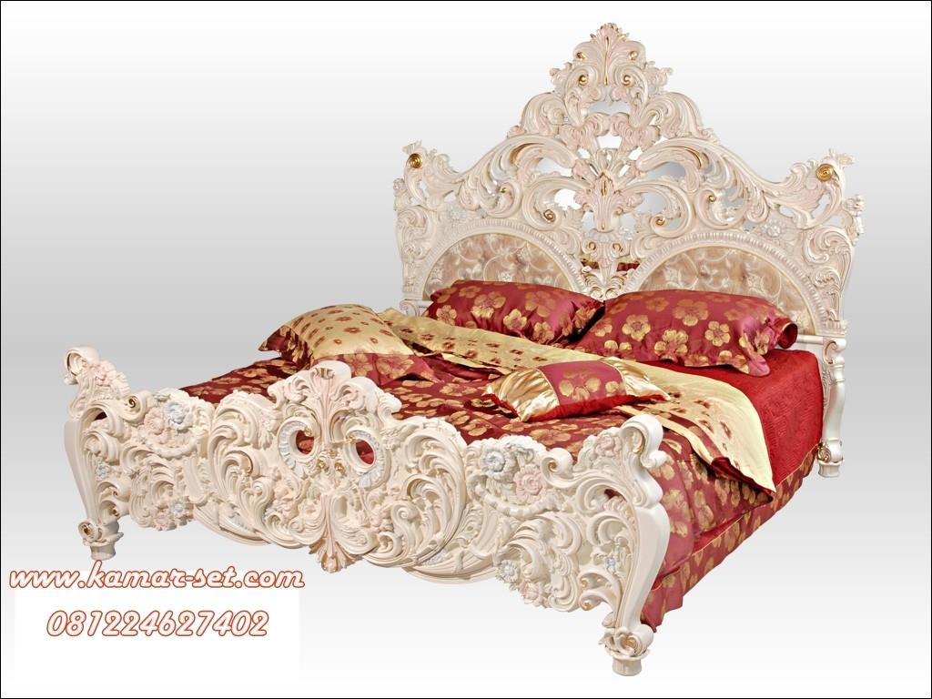 Tempat Tidur Mewah Putih Full Ukir KSU-206