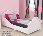 Tempat Tidur Anak Putih Mungil Lucu