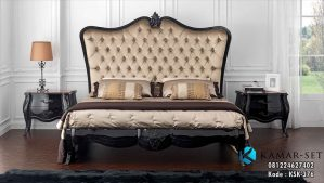Tempat Tidur Klasik Black Glossy