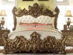 Desain Tempat Tidur Mewah Ukiran Emas