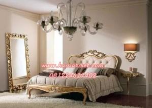 Konsep Kamar Tidur Mewah Gold Simple Lea