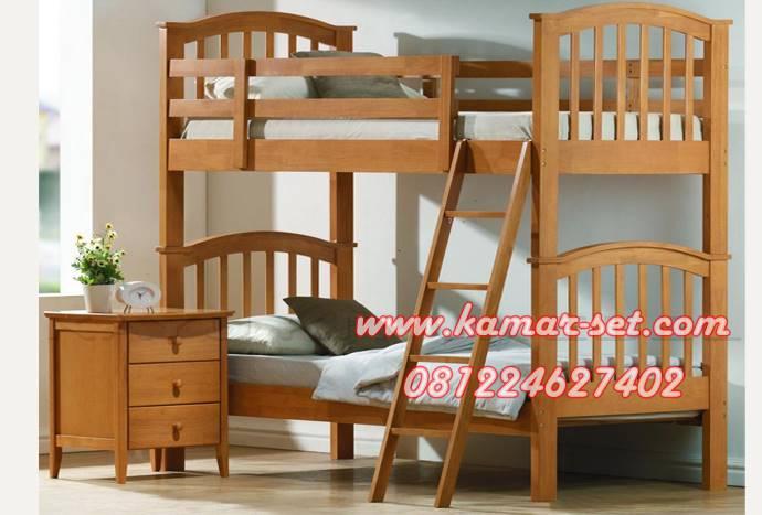 Tempat Tidur Jati Tingkat Sederhana