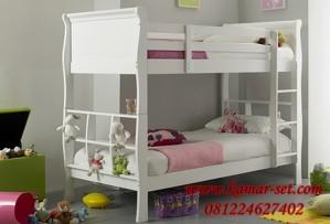 Tempat Tidur Susun Klasik Minimalis Putih