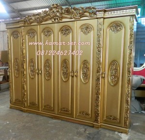 Lemari Pakaian Ukiran 6 Pintu Gold Mewah