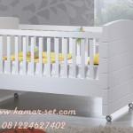 Model Box Bayi Roda Warna Putih