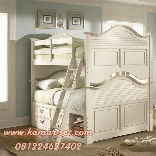 Tempat Tidur Tingkat Klasik Modern