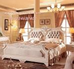 Tempat Tidur Utama Putih Klasik Ukir Mewah