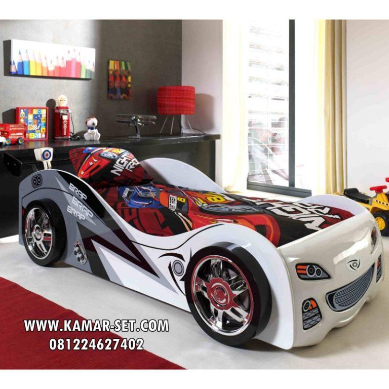 Desain Kamar Anak Karakter Mobil Mewah